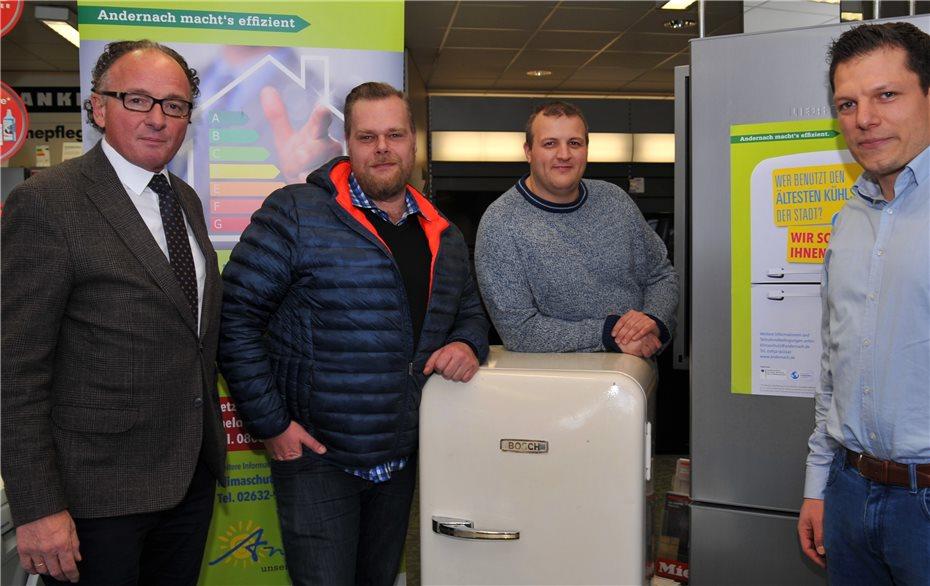 Bosch Kühlschrank Nach Transport Stehen Lassen : Ältester kühlschrank hat knapp jahre auf dem buckel