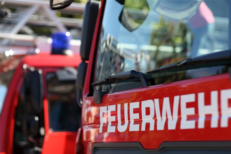 Kühlschrank Im Auto Transportieren : Kühlschrank in flammen