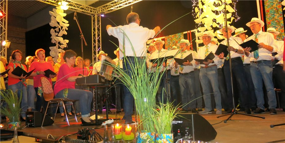 CHORona Malberg feierte mit Pop, Promis und Prosecco