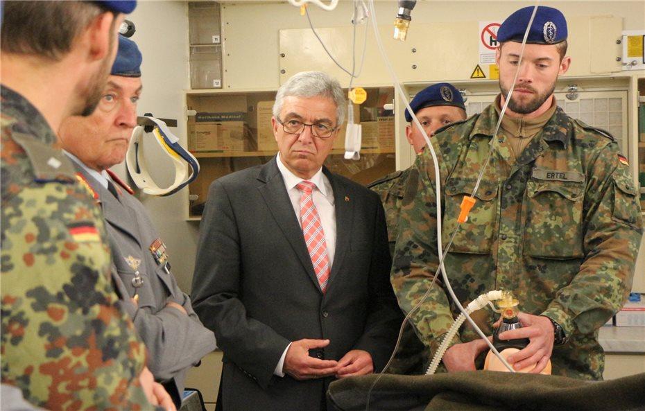Arzt bundeswehr  Roger Lewentz besucht Kommando Sanitätsdienst der Bundeswehr