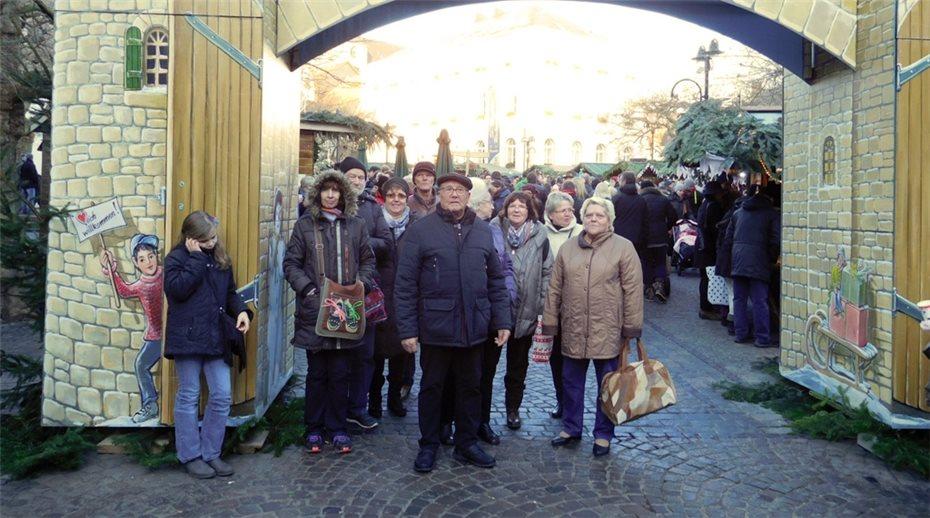 Besuch Auf Dem Weihnachtsmarkt.Zu Besuch Auf Dem Weihnachtsmarkt