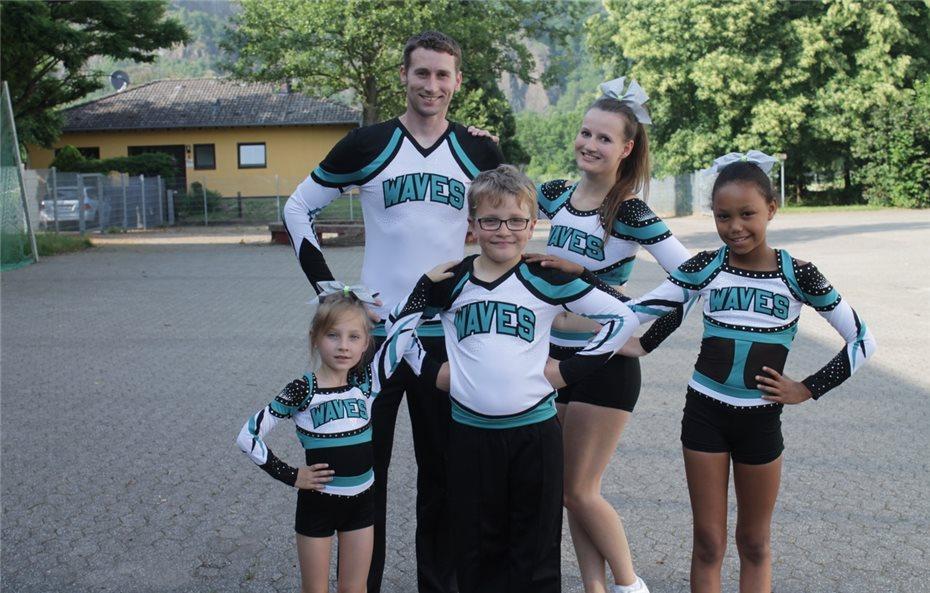 Erfolgreicher Showcase der Wave Allstars Cheerleader