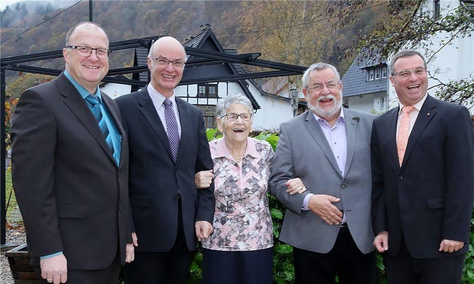 Margret Stratmann Feierte Im Kreise Der Familie Ihren 95 Geburtstag