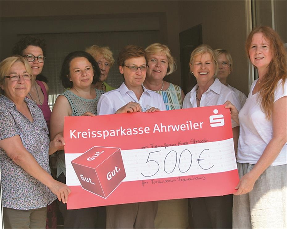 Frauenforum spendet 500 Euro