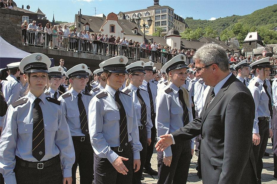 390 Polizeianwärter legten Amtseid ab