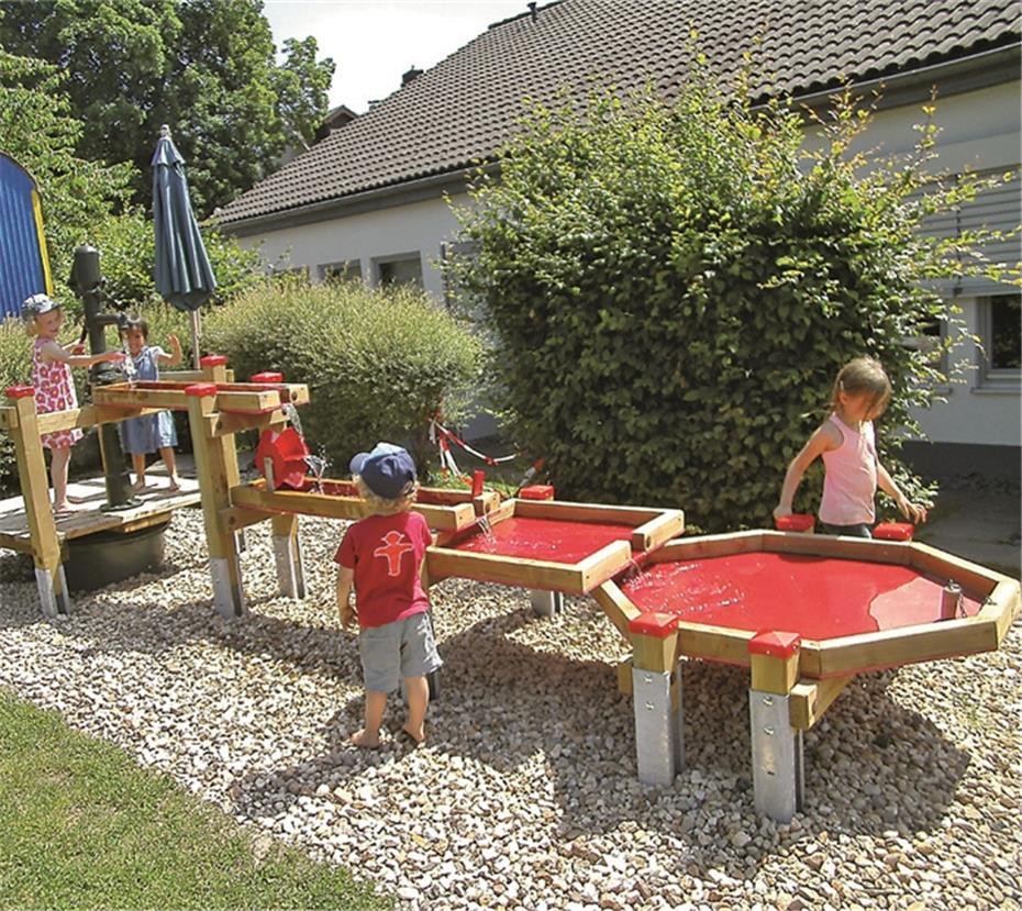 Wasserspielplatz Kinder