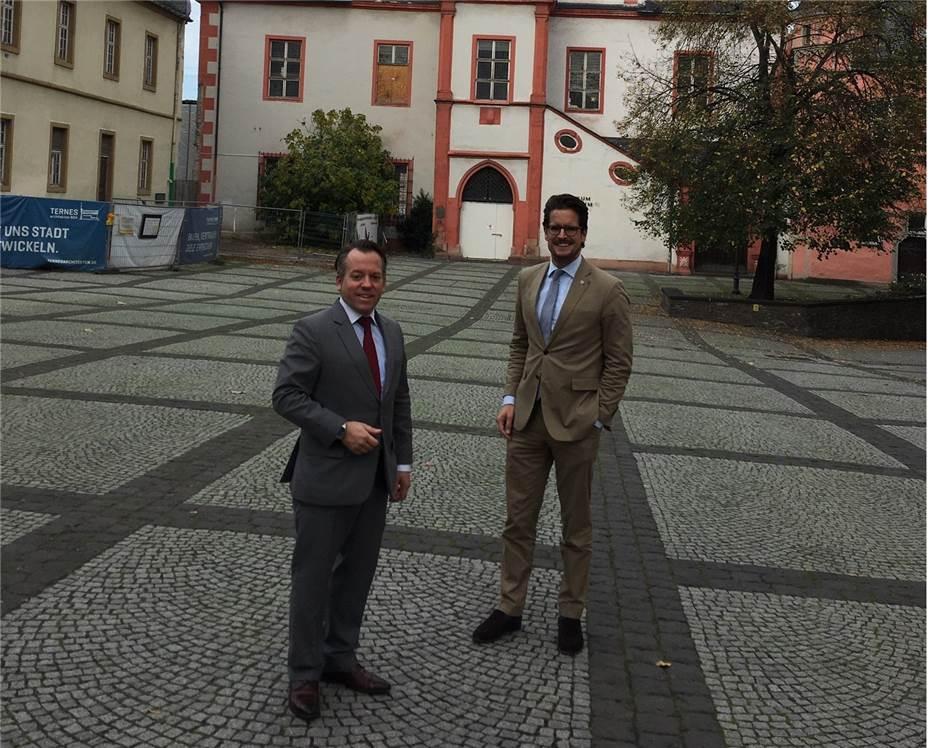 Burresheimer Hof Als Moglicher Neuer Standort Fur Das Stadtarchiv