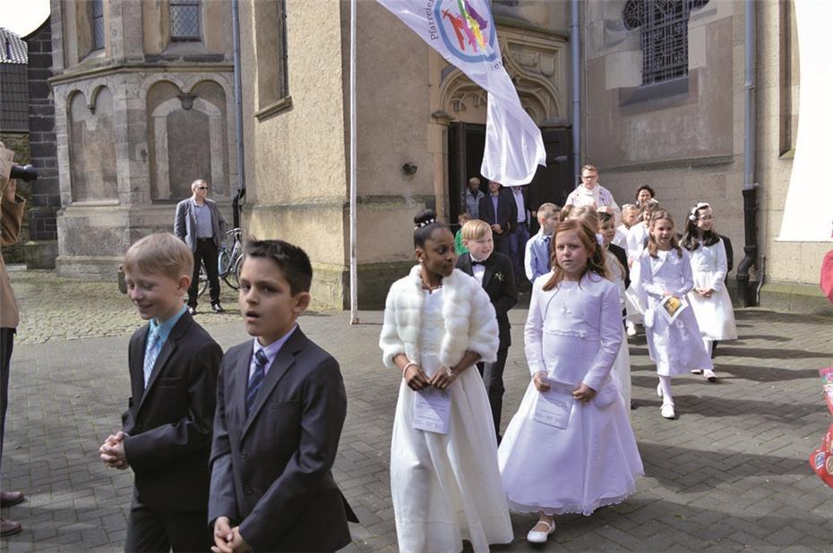 Kommunion heilige schreibt wie erste man Glückwünsche zur