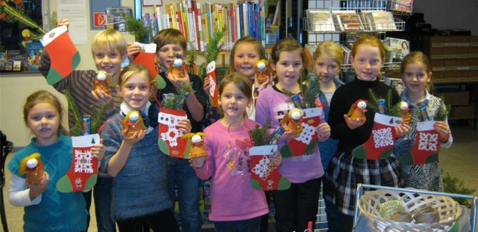 Weihnachtsbasteln Im Kindergarten.Weihnachtsbasteln Und Lesespaß