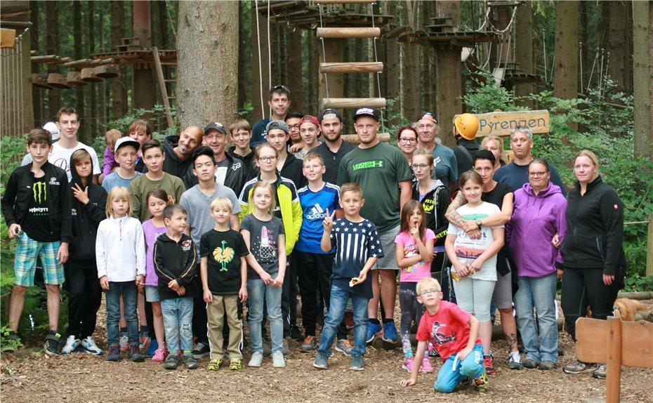Kletterausrüstung Weil Am Rhein : Zusammen klettern stärkt den teamgeist