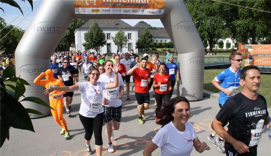 Tausende Laufen Und Feiern Rund Ums Deutsche Eck