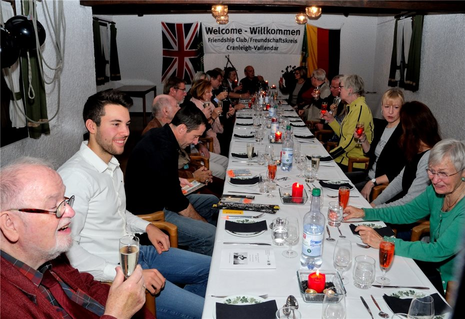 "Englisches Dinner bei der ""Guy Fawkes Party"""