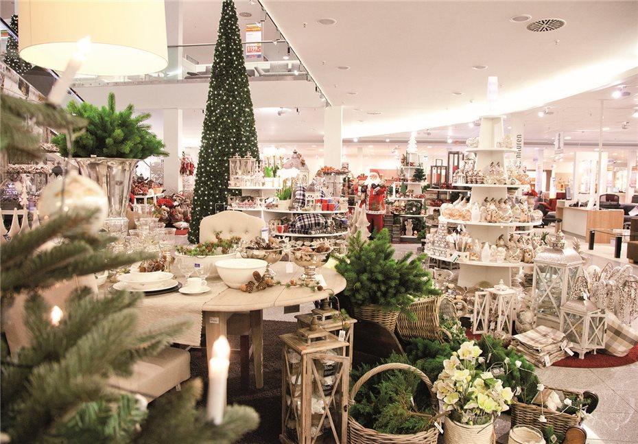 Die Einrichtungshäuser Laden Zur Weihnachtsmarkt Eröffnung Ein