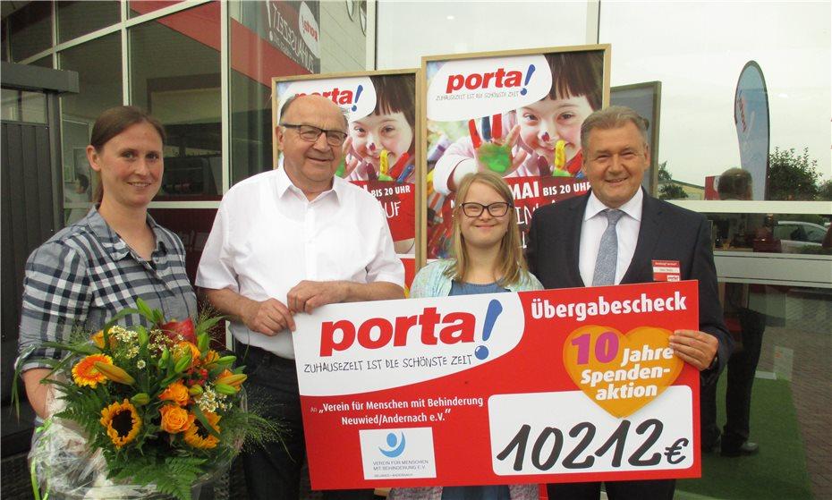 Porta Möbel Spendet Zehn Prozent Des Tagesumsatzes Für Einen Guten Zweck